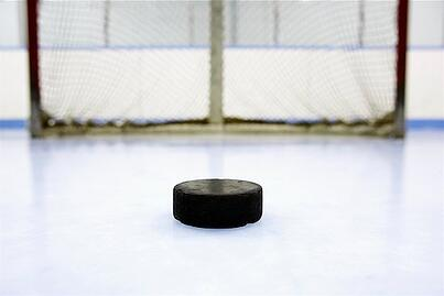 hockey-puck-on-ice-image1