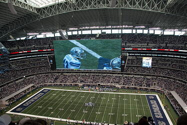 Cowboys-Stadium-Jumbotron