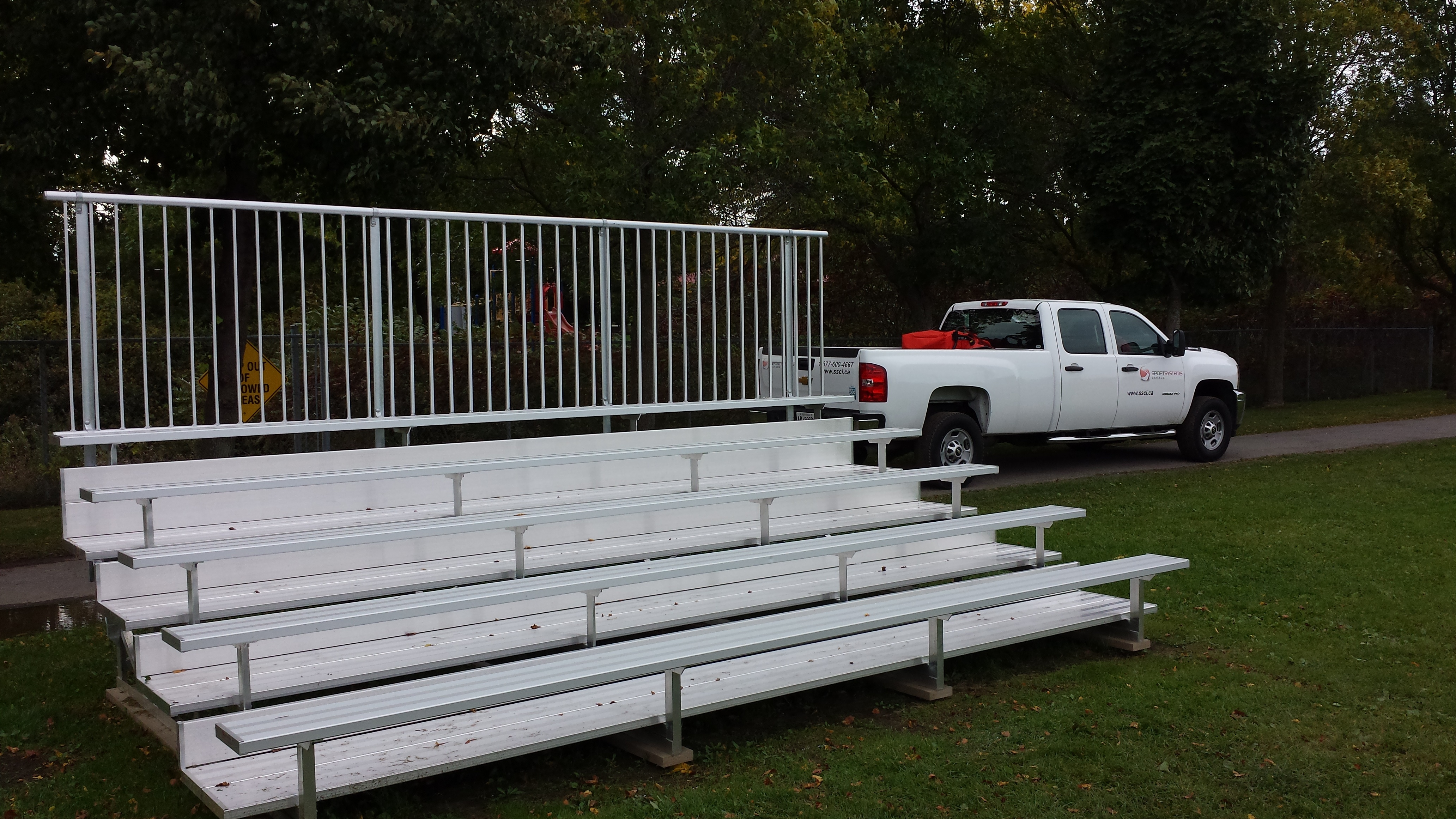 5-tier-bleachers-memorial-park