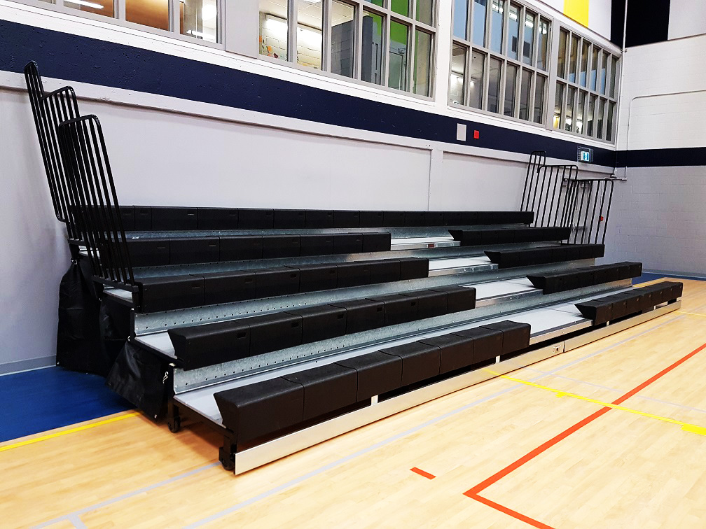 Garneau-telescopic-bleachers
