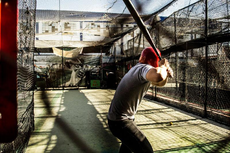 batting-practice-in-batting-cage