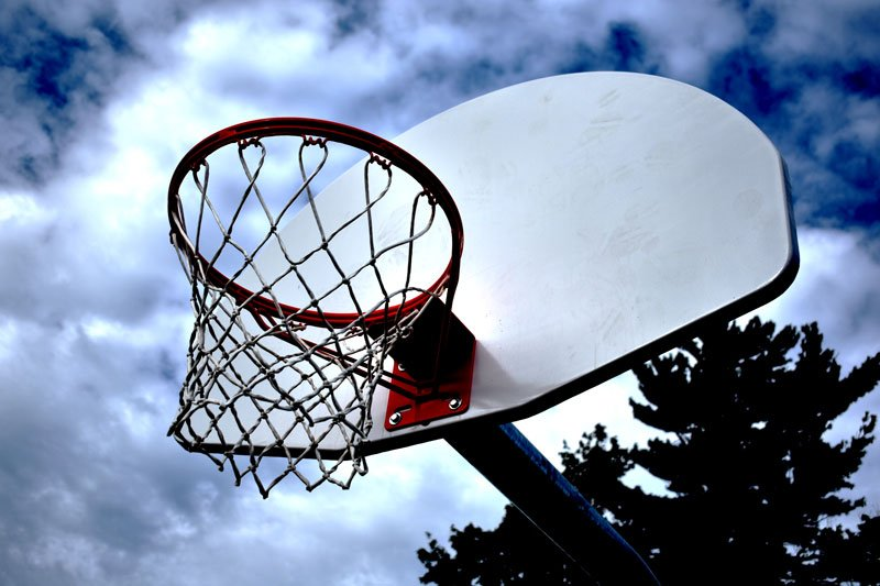 gooseneck-outdoor-basketball-system-with-backboard