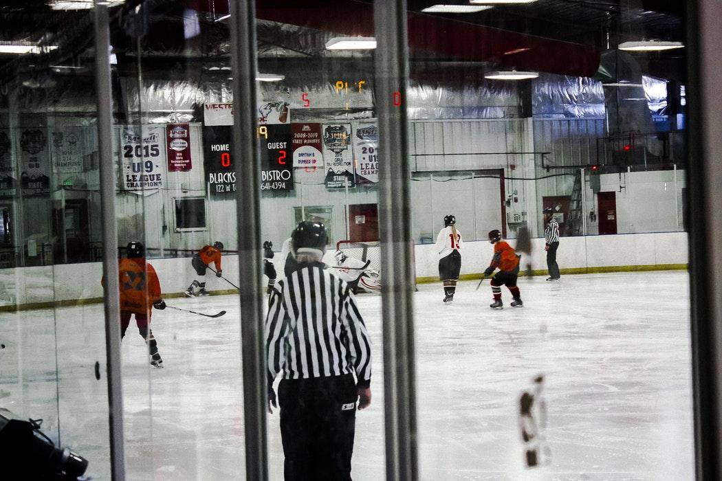 minor-hockey-game