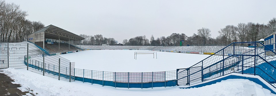 outdoor-stadium-in-winter