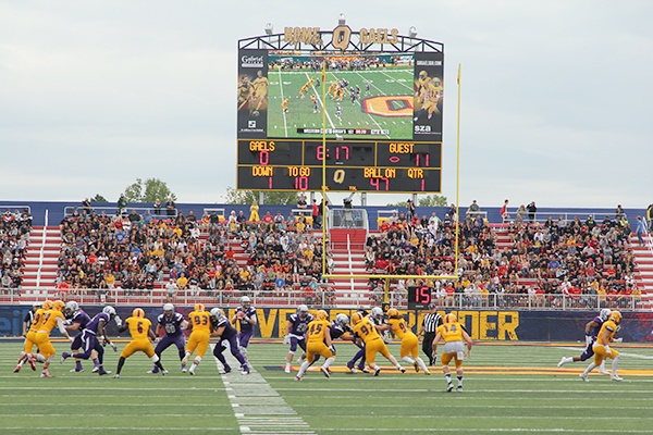 queens-gaels-in-action-opening-day-richardson-stadium.jpg