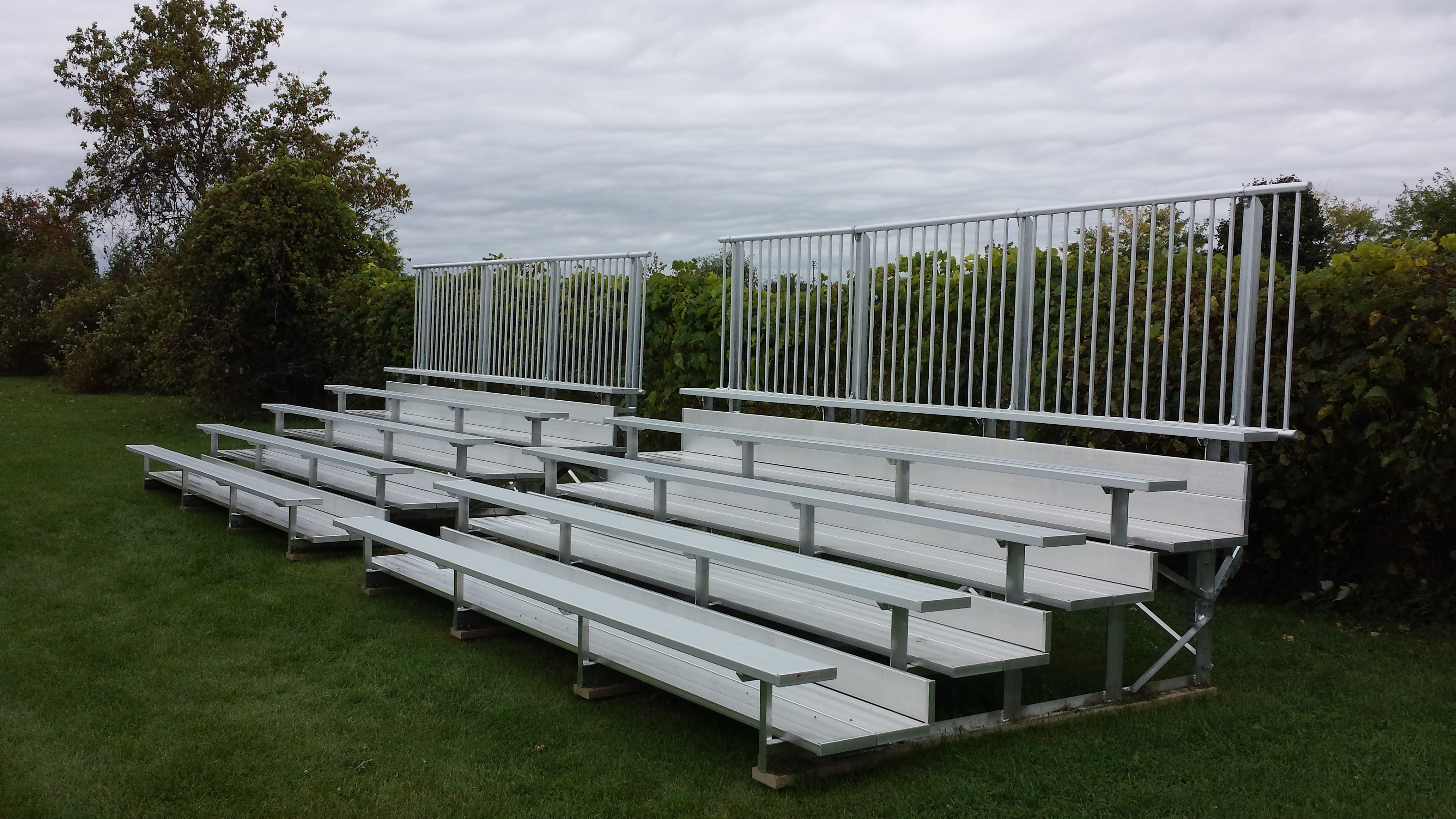 bleacher-seating-memorial-park