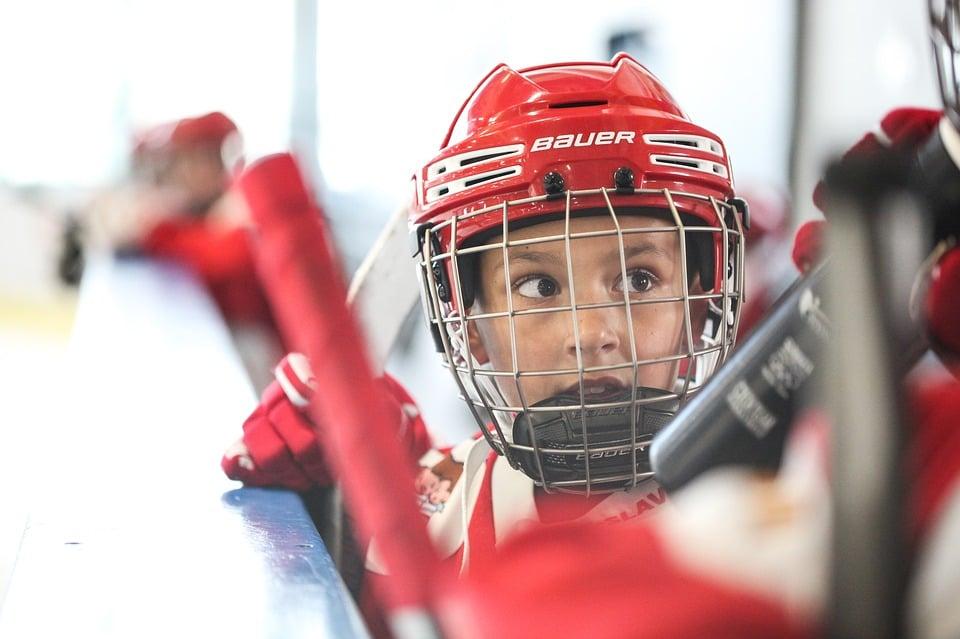 youth-hockey-player