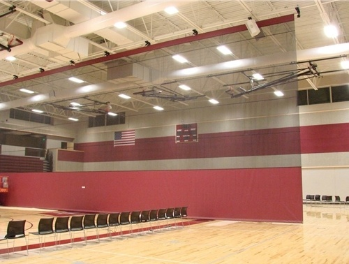 top-roll-gym-divider-curtain-in-gym.jpg