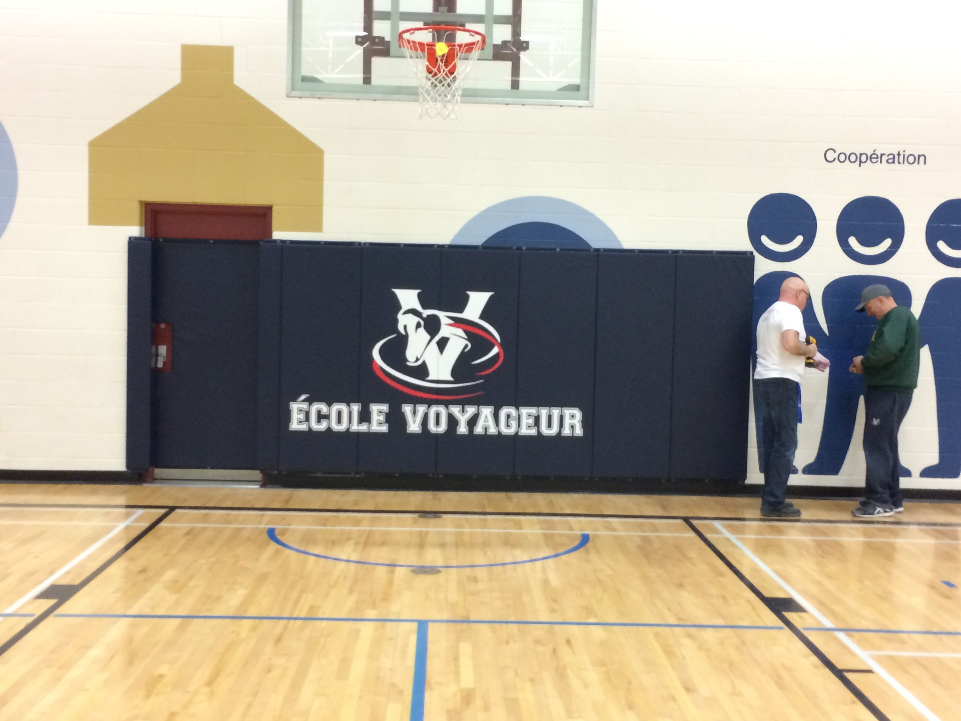 wall-and-door-padding-ecole-voyager.jpg